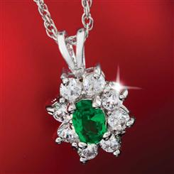 Diamond<em>Aura</em>&reg; Green Blossom Pendant