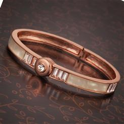 Fabuleux Bangle Bracelet