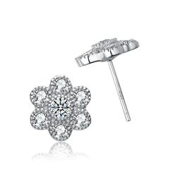 DiamondAura Flower Earrings