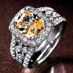 Grand Canary DiamondAura® Ring