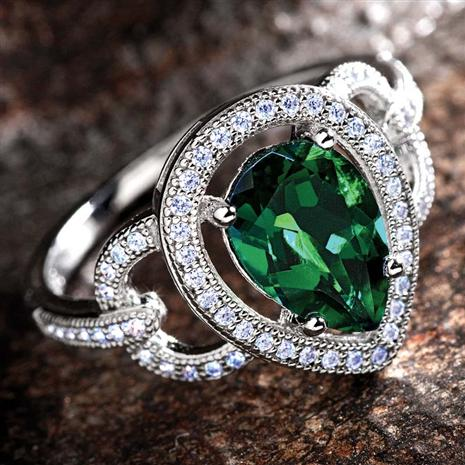 LAB-CREATED EMERALD & DIAMONDAURA® RING