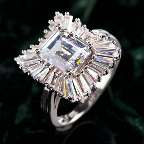 DIAMONDAURA® VIZIA RING