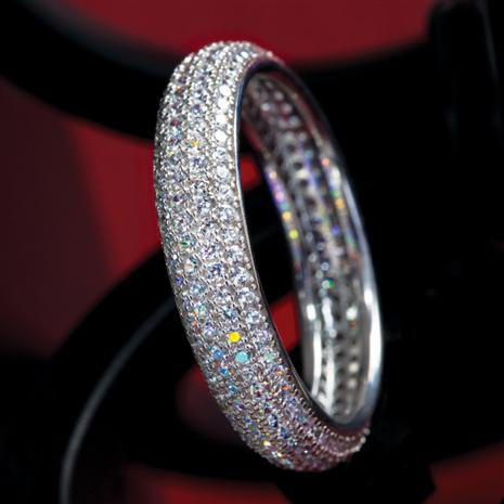 Doccia DiamondAura® Platinum-finished Anniversary Band