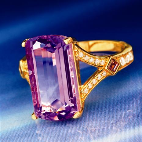 AMETHYST GARNET & DIAMONDAURA® RING