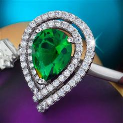 Diamond<em>Aura</em>&reg; Celebration Emerald Green Ring