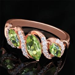 Candlelight Peridot Ring